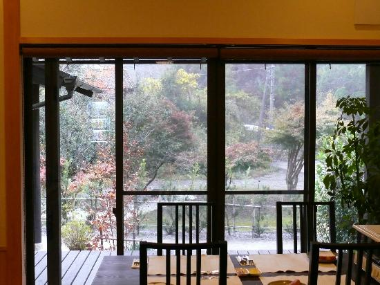 (http://www.tripadvisor.jp/Hotel_Review-g1023661-d2626396-Reviews-Blue_Sky_Guesthouse-Tanabe_Wakayama_Prefecture_Kinki.html#photos)