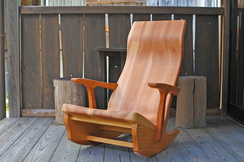 出典:https://www.gworks-web.com/SHOP/rocking_chair_lily.html