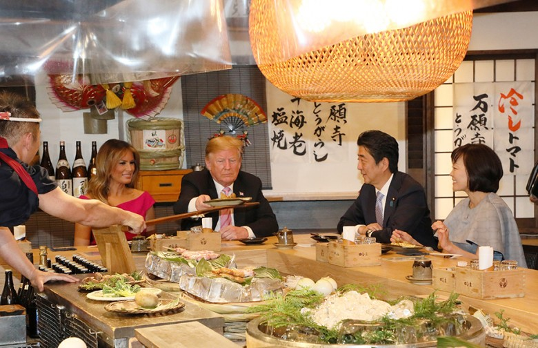 PM_Abe_and_the_Trumps_having_dinner_(1)